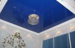 Преимущества пленочных и тканевых натяжных потолков