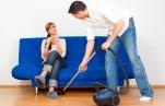 Уборка квартиры: справляемся сами или зовем на помощь профессионалов?