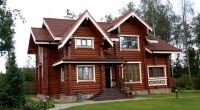 Варианты внешней отделки деревянного дома